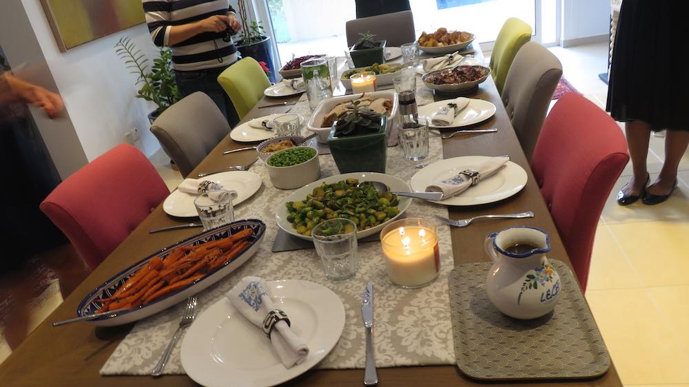 turkey-take-away-doindubai-jones-the-grocer-on-the-dining-table-copy