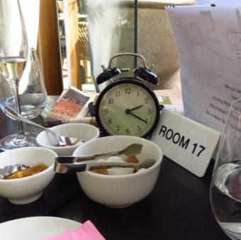 La Cantine du Faubourg Brunch 105 Clock and Menu copy