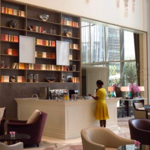 Address Boulevard hotel Dubai DoinDubai Lobby Lounge