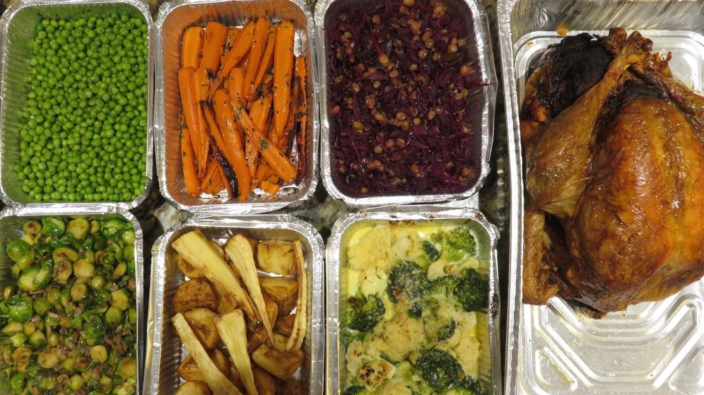 turkey-take-away-doindubai-jones-the-grocer-in-foil-containers-copy-1