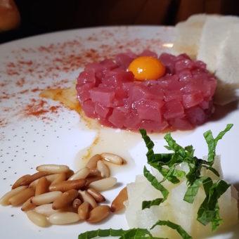Outdoor Dubai Dining DoinDubai Mina Brasserie Tuna Tartare