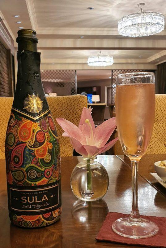 Evening Drinks at the Club Lounge Taj palace hotel Delhi DoinDubai