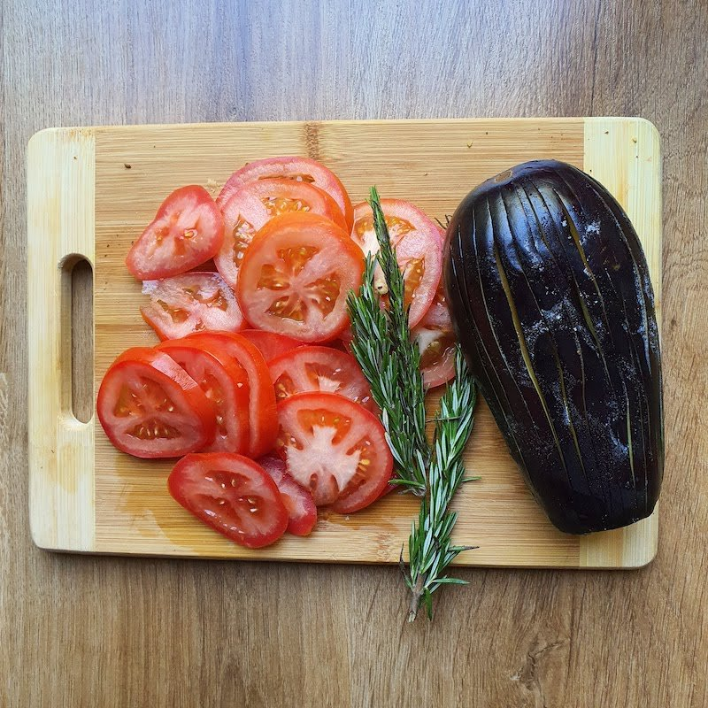 Roasted Aubergines with Tomatoes