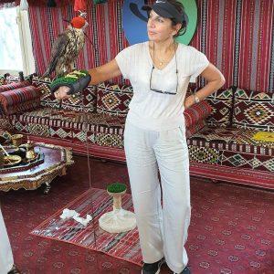 Heritage Express Dubai DoinDubai Moinca Kapila Pose with a falcon