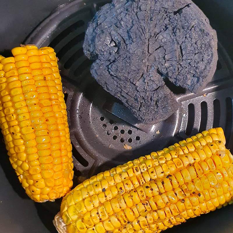 AIR FRYER CORN ON THE COB BBQ STYLE DOINDUBAI with some coal for a bbq taste