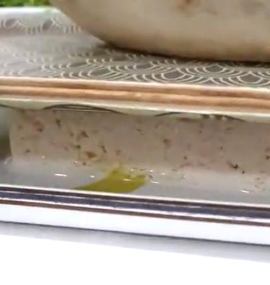 tofu between 2 trays Tofu Pad Thai recipe final dish DoinDubai Monica Kapila